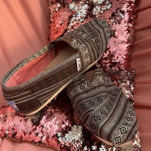 Tribal print TOMS shoes